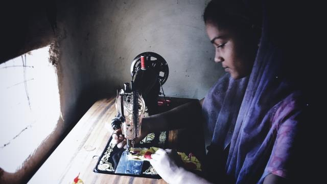 #HANDS4ROHINGYA sewing project. ©H4R