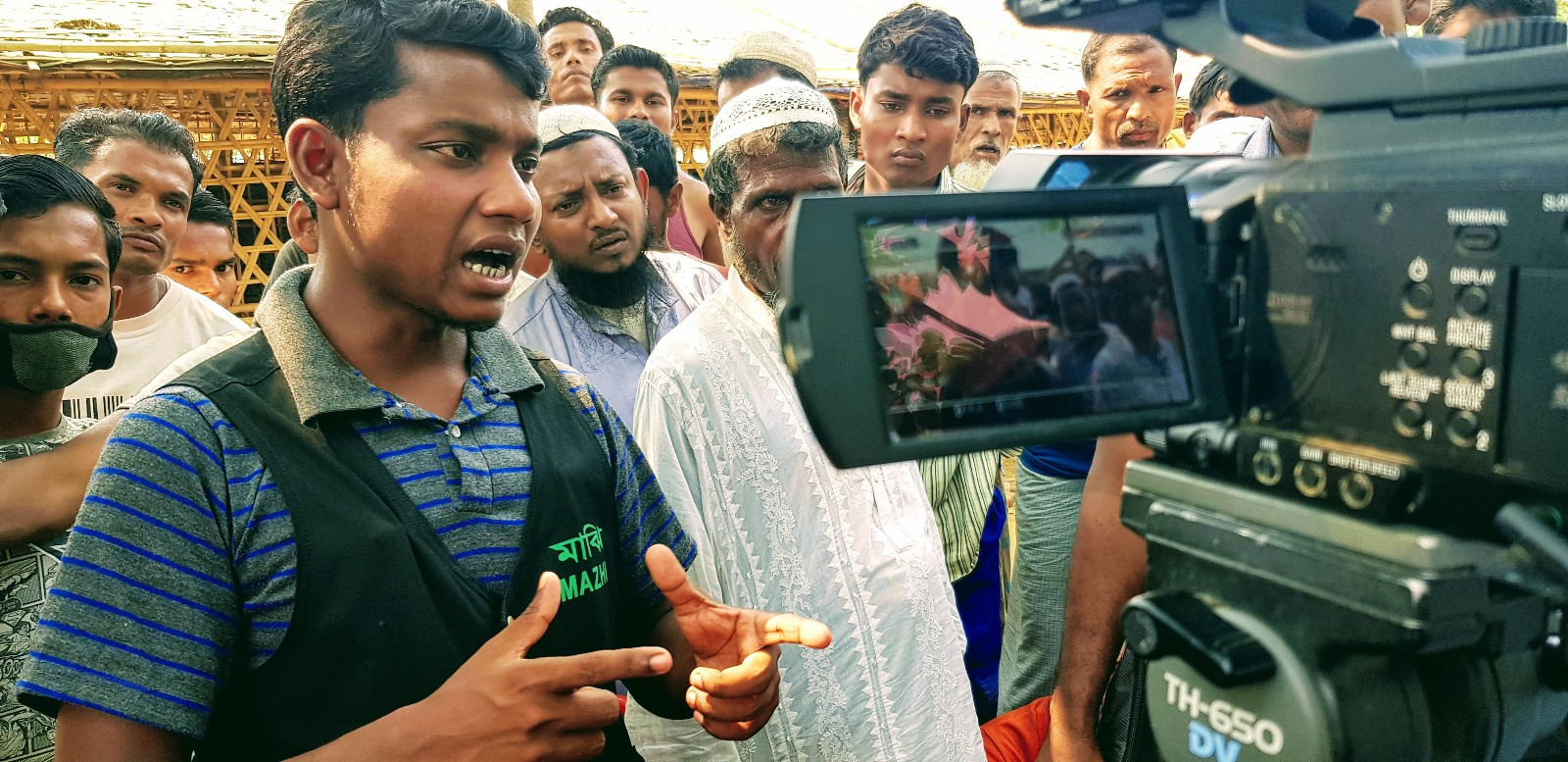 Interviewing Rohingya camp residents, Taingkhali. ©H4R