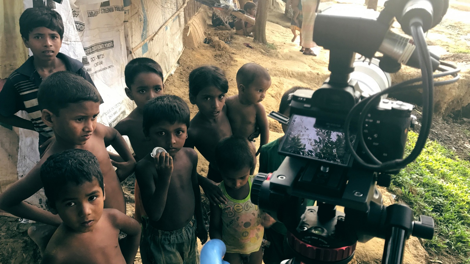 Interviewing Rohingya camp residents, Kutupalong. ©H4R